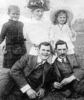 1911 Ross aged 7 with his Mother, Dorothy, uncle Ernie and Mr. Puslove at Margate.
